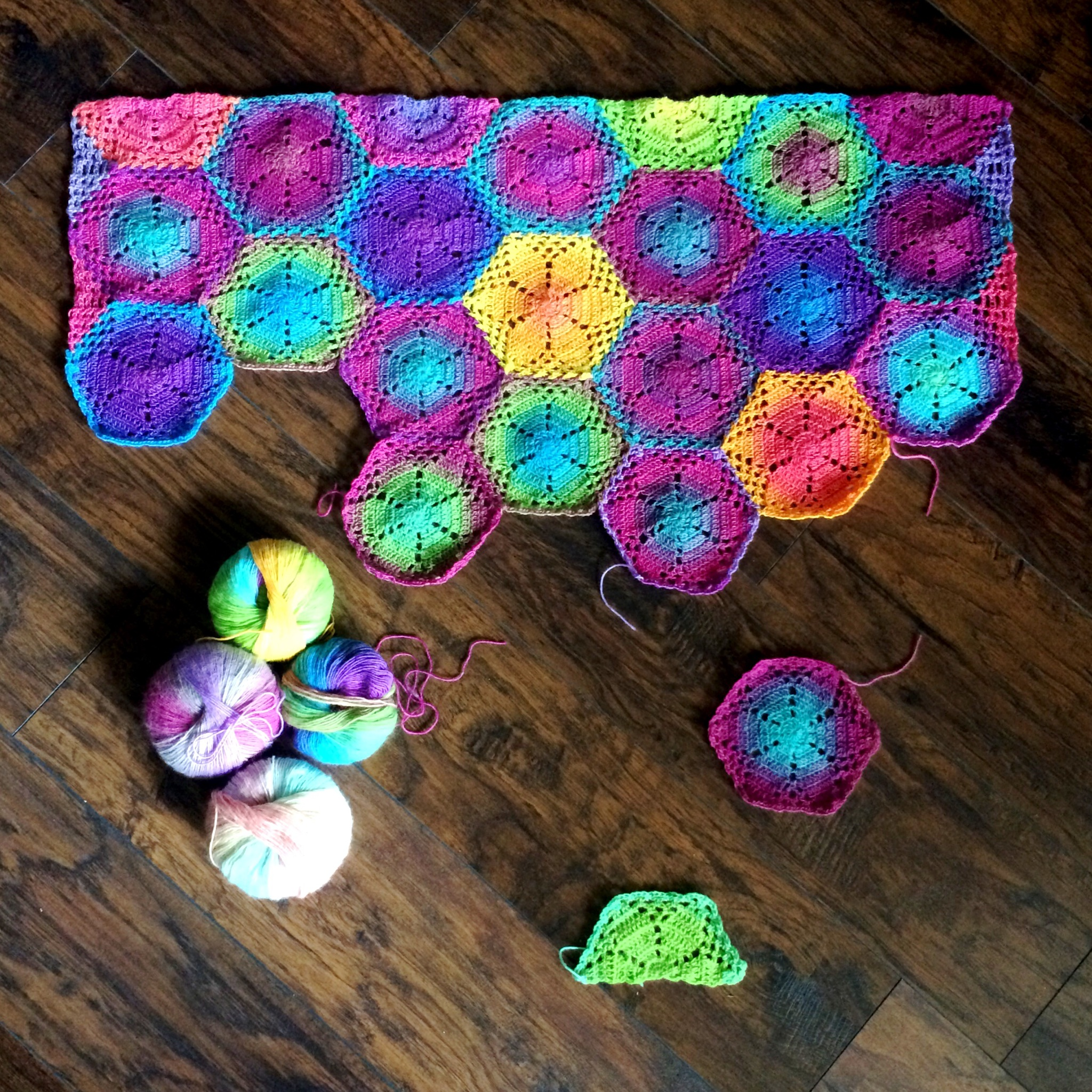 """Celeste"" Flower lace hexagon blanket/shawl"